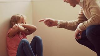 Cutremurător! Un tată și-a abuzat fiica timp de un an