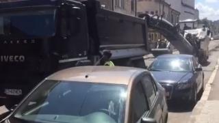 Atenție, ocoliți strada Cuza Vodă! Se asfaltează