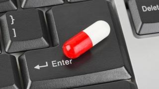 Vânzarea neautorizată a medicamentelor în mediul online, pedepsită