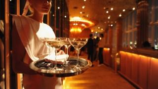 Vicepreședinte FPTR: Doar două din zece hoteluri și restaurante plătesc impozitul specific