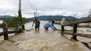 Vietnamul, lovit de inundații și alunecări de teren