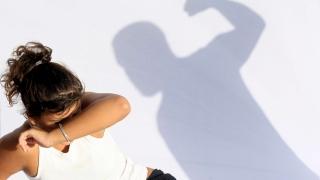 Violența domestică, atacată din trei direcții