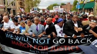 Violențe și zeci de arestări la protestele din SUA împotriva poliției