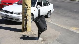 """Vor răsări noi coșuri de gunoi în Constanța. Sperăm că nu vor fi """"culese"""""""