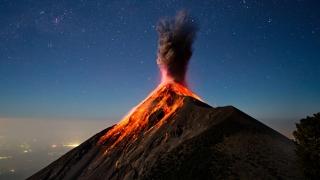 Vulcanul de Foc din Guatemala erupe pentru a şaptea oară în acest an