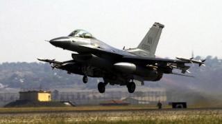 Zeci de arme nucleare americane din Turcia ar putea ajunge la terorişti