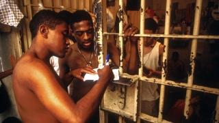 Zeci de deținuți morți în Brazilia