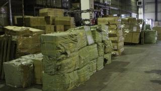 Zeci de mii de produse contrafăcute, confiscate de polițiști