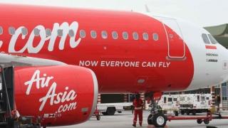 """""""Zguduit ca o mașină de spălat"""" în drum spre Malaezia. Un zbor al AirAsia a fost întors pe aeroport"""