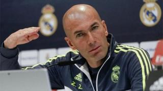 Zinedine Zidane a semnat un nou contract cu Real Madrid