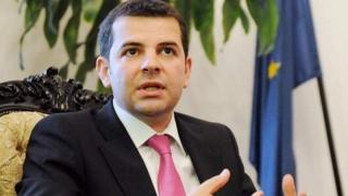 Demisie în masă în Pro România - pleacă 16 deputaţi