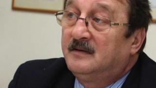 Mircea Băsescu dă statul în judecată la CEDO