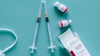 De ce apar cazuri de infectare după vaccin?