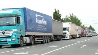 De ce se strică şoselele! Peste 370.000 de maşini, depistate cu nereguli în doar 4 luni