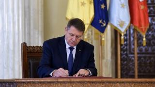 Decretele privind numirea noilor miniștri ai Mediului și pentru Relația cu Parlamentul, semnate de președinte