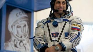 Un cosmonaut de pe Staţia Spaţială Internaţională a făcut dedicații femeilor