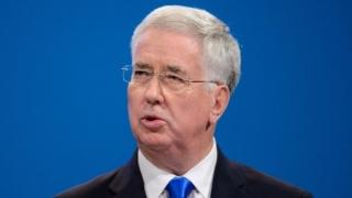 Ministrul Apărării britanicdemisionează, după ce a fost acuzat de hărțuire sexuală
