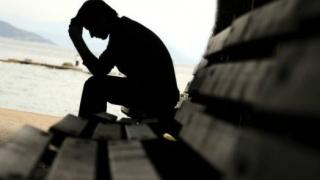 De ce sinucid românii