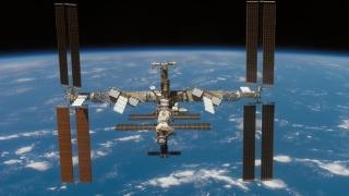 Trei astronauți de pe Stația Spațială Internațională au revenit pe Terra