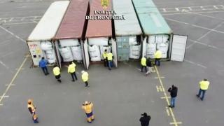 GALERIE FOTO. Containere încărcate cu deșeuri, depistate în Portul Constanţa Sud Agigea