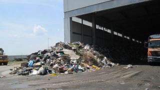 Interpol anunță că a confiscat 1,5 milioane de tone de deșeuri de contrabandă