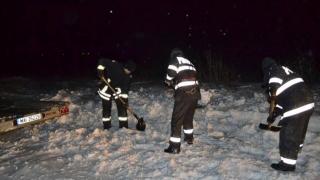 2.600 de pompieri, pregătiţi să intervină în zonele ce ar putea fi afectate de ninsori