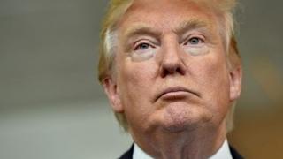 Carte cu dezvăluiri EXPLOZIVE despre Donald Trump