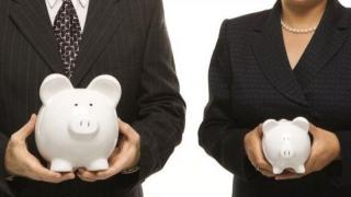 Femeile funcționar public, discriminate la pensionare față de bărbați