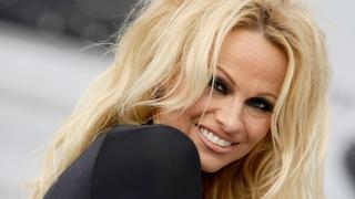 Pamela Anderson intră în bucătărie: diva îşi deschide restaurant vegan