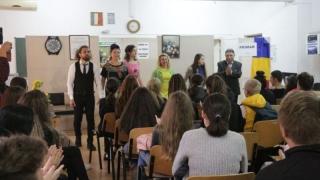 Alte 24 de spectacole în liceele din orașul Constanța