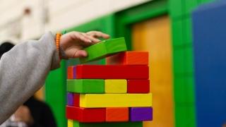 Doi copii, o educatoare şi o îngrijitoare, confirmaţi cu COVID-19 la o grădiniţă din Constanţa