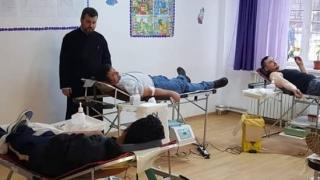 Parohii din Arhiepiscopia Tomisului, implicate în donarea de sânge!