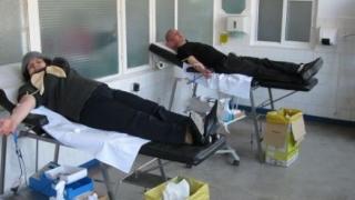 """Campanie de donare de sânge, în colaborare cu Parohia ,,SCHITU""""! Veniți să donați!"""
