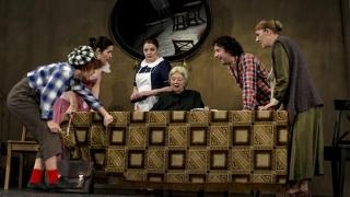 Două comedii și o dramă documentară la început de an