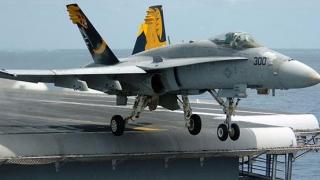 DRAMATIC! Două avioane americane s-au ciocnit în aer