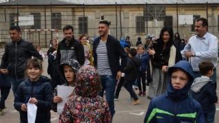 """Marica și Dănciulescu, luați la întrebări de copiii de la Școala Gimnazială nr. 28 """"Dan Barbilian"""""""