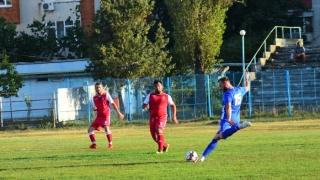 Remize între primele clasate din Liga a IV-a constănţeană la fotbal