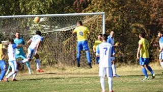 Confruntări între primele patru clasate din Liga a IV-a la fotbal
