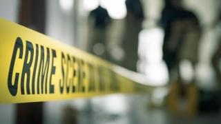 Și-a înjunghiat mortal o profesoară şi pe unul dintre colegi