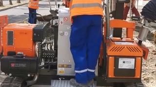 Un nou utilaj va fi folosit pentru modernizarea trotuarelor în Constanța