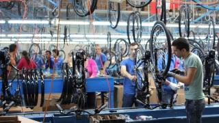 O fabrică de biciclete perfecţionează elevi din licee tehnice