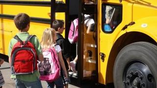 Elevii și studenții nu primesc subvenții la transport de la CJC