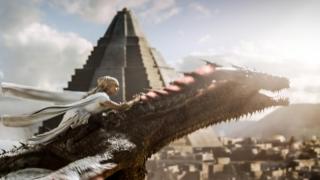 """""""Mama dragonilor"""" va zbura în Războiul Stelelor"""