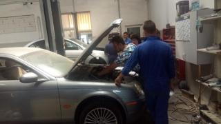 Forța de muncă tânără din piața auto,  antrenată la Exclusiv Auto