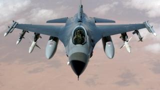 Avion F-16, pe punctul de a exploda