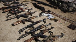 UE anchetează informaţiile despre exporturi de armament, inclusiv din România, în Siria