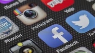 Facebook va permite user-ilor să ascundă contorul de like-uri