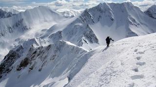 Strat de zăpadă de peste 170 de centimetri și risc mare de avalanșă în Făgăraș