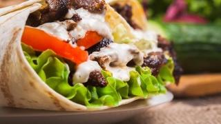Mâncați produse fast food? Trebuie neapărat să știți aceste reguli!