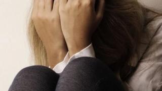 Incredibil! În România, la fiecare două zile, o minoră este violată în familie